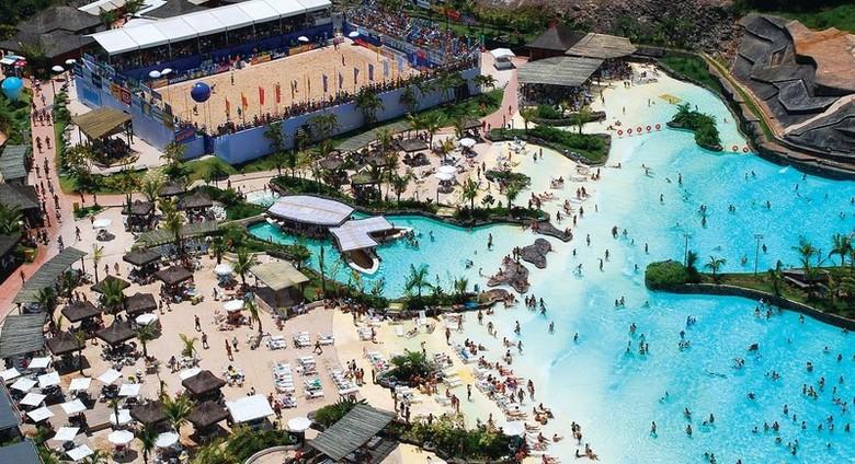 Hot Park e sua praia artificial